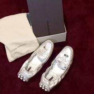 Louis Vuitton FLATS W/ LV BOX & DUST BAG! FIRM